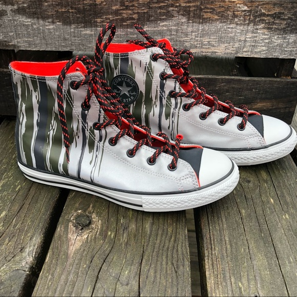 efd6852c838544 Converse High-Tops Paint Drip Print! NEW!